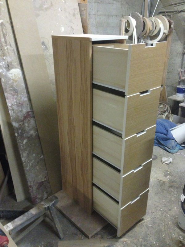 Cassettiera rossa wood design milano for Wood design milano